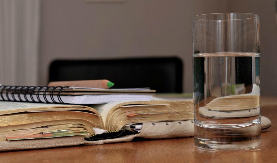konsumsi air hangat setiap hari